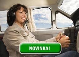 Vyhlídkový let s řízením letadla 20 minut pro 3 osoby